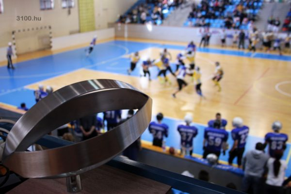 3100.hu Fotó: Amerikai foci aréna torna Salgótarjánban