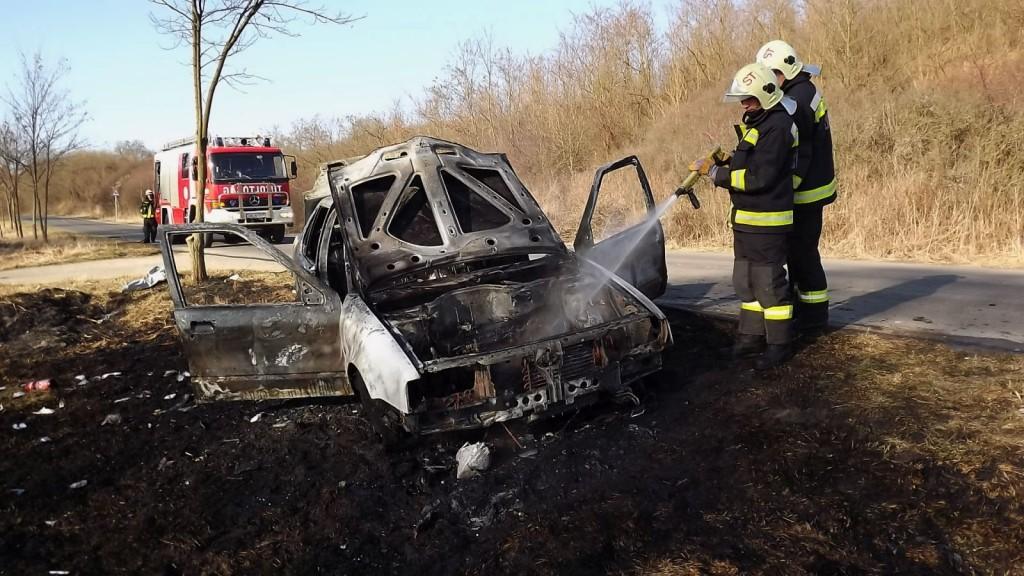 Munkában a tűzoltók a helyszínen (Juhász Jácint tű. törzszászlós, Salgótarjáni HTP | Nógrád Megyei Katasztrófavédelmi Igazgatóság)