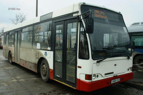 """3100.hu Fotó: A salgótarjáni járműpark átlagéletkora mintegy 19 év – a képen egy a """"fiatalabbak"""" közül"""