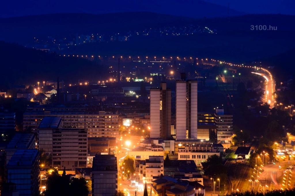 3100.hu Fotó: Salgótarján éjszakai fényei (Fotó: Komka Péter)