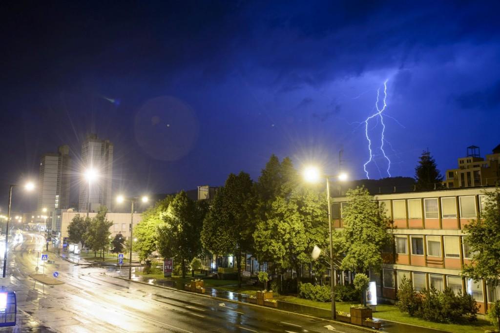 Villámlás Salgótarján felett 2015. május 20-án este (MTI Fotó: Komka Péter)