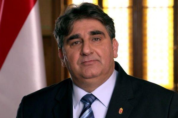 (Fotó forrása: Balla Mihály - az Ön képviselőjelöltje választási videóüzenet | www.youtube.com)