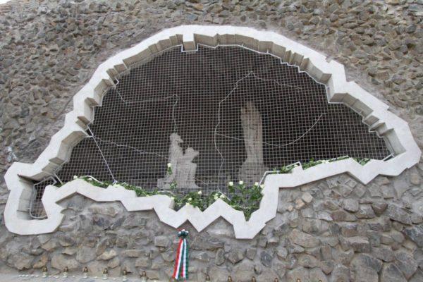 """A felszentelt """"Magyar feltámadás barlang"""" az ünnepséget követően, 2014. augusztus 15-én (Fotó: Gyurkó Péter)"""