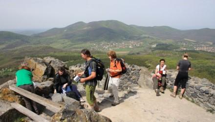 3100.hu Fotó: Salgó várának érintése kihagyhatatlan a Karancs-Medves vidékén vezető túrák útvonalából, a szombati eseménynek is mindhárom távja érinti majd
