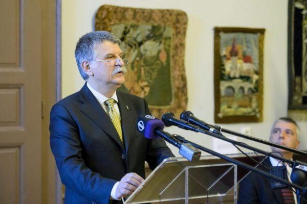 Kövér László, az Országgyűlés elnöke beszédet mond a Nógrád megyei önkormányzat és Szécsény önkormányzatának a szécsényi országgyűlés 310. évfordulója alkalmából tartott ünnepi közgyűlésén (MTI Fotó: Komka Péter)