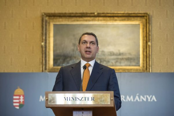 Lázár János Miniszterelnökséget vezető miniszter a Kormányinfo 30 nevű sajtótájékoztatón (Fotó forrása: Árvai Károly | www.kormany.hu)
