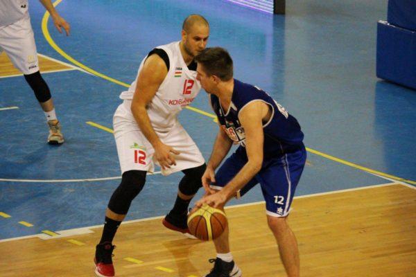 3100.hu Fotó: Tutus Nikola (fehérben) és Koma Dániel (kékben)