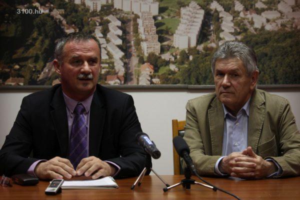 3100.hu Fotó: Fekete Zsolt polgármesterjelölt és Schwartz Béla, Ajka polgármestere