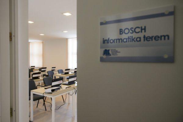Az új Hatvani Közösségi Felsőoktatási Képzési Központ egyik tanterme (MTI Fotó: Komka Péter)