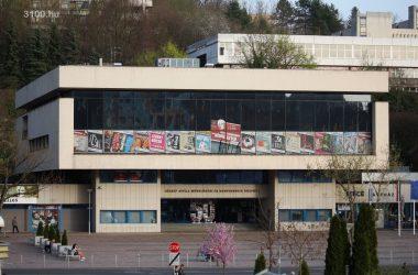 3100.hu Fotó: A Zenthe Ferenc Színház otthona, a József Attila Művelődési és Konferencia Központ
