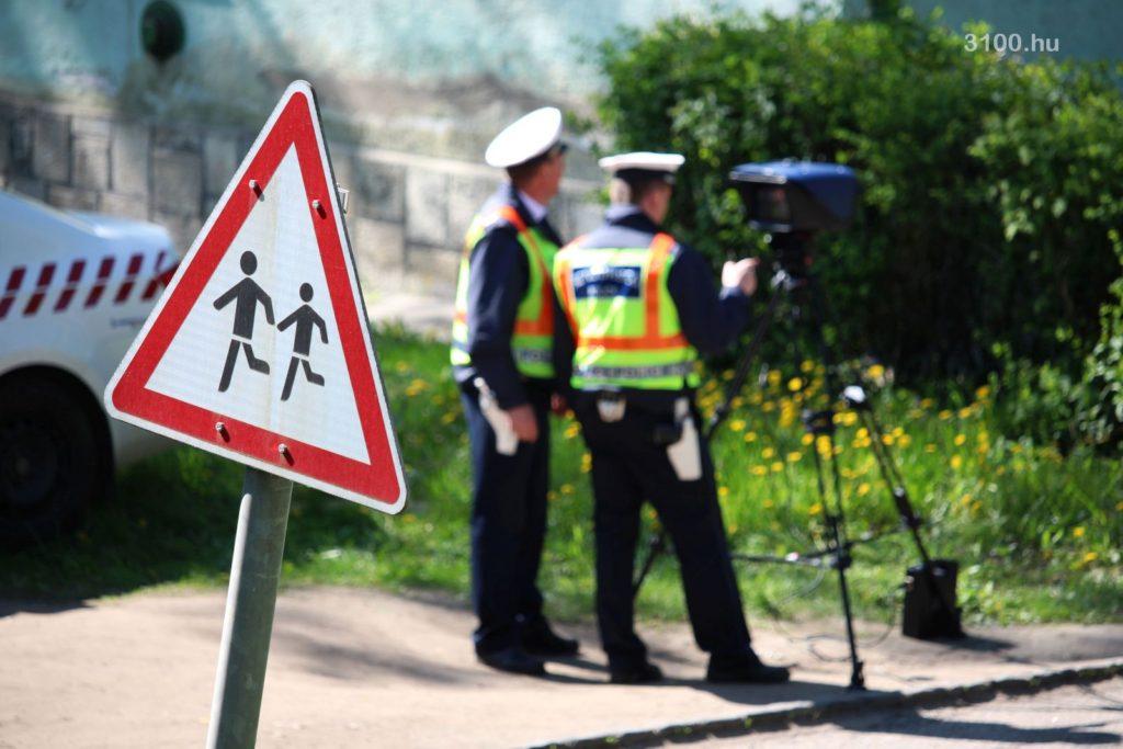 3100.hu Fotó: Sebesség-ellenőrzés a lakossági kérésre bevont Salgó úti helyszínen, a nemzetközi akció részeként