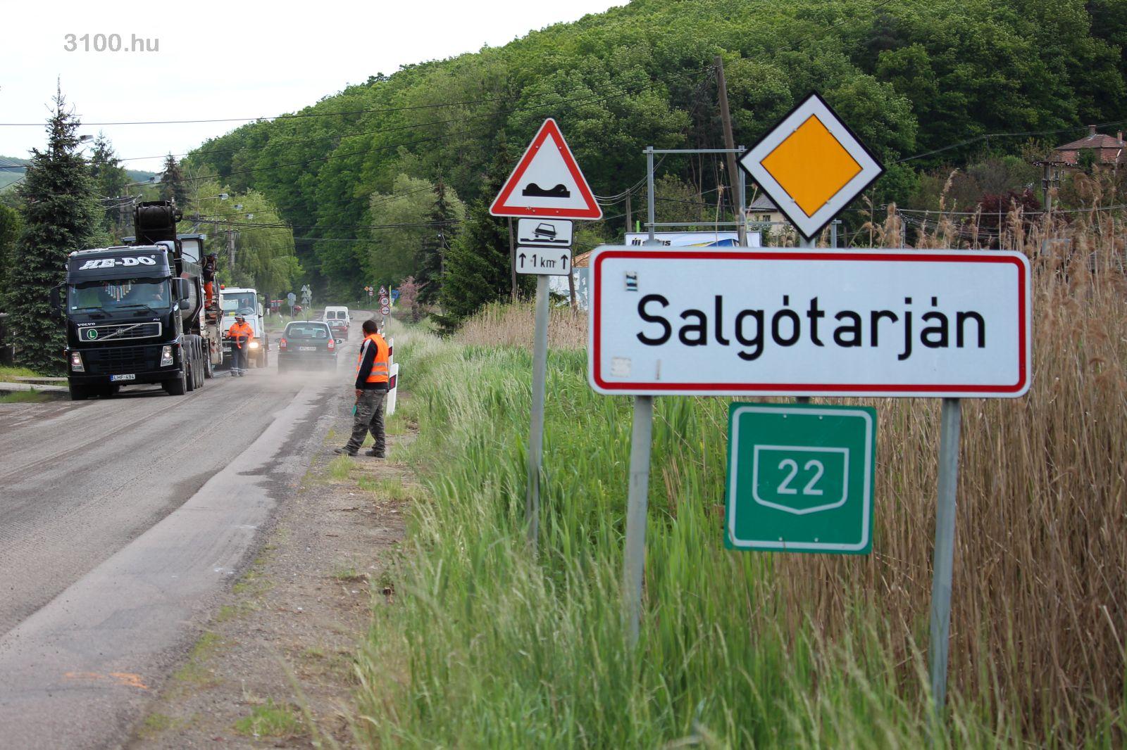 3100.hu Fotó: A 22-es számú főúton tavaly és idén is több szakasz megújult, 2018-ban az eddig nem érintett kilométerszelvényekben folytatódik a munka