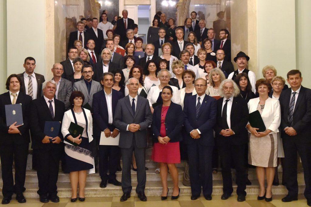 Az idei díjazottak és a díjátadók (MTI Fotó: Illyés Tibor)