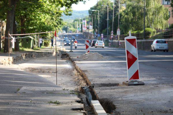 3100.hu Fotó: Zajlik a kivitelezés a 21-es számú főút zagyvapálfalvai szakaszán