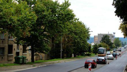 Zajlik a kivitelezés a 21-es főút zagyvapálfalvai szakaszán (3100.hu Fotó: Bolfert Richárd)