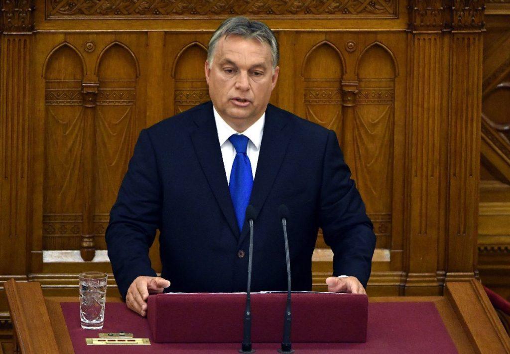 Orbán Viktor miniszterelnök az Országgyűlés plenáris ülésén 2016. szeptember 12-én (MTI Fotó: Illyés Tibor)
