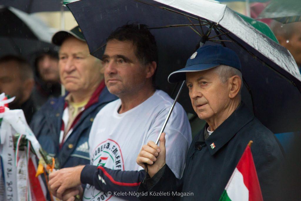 Mecser Lajos hosszútávfutó olimpikon, Schirilla György hosszútávfutó és Valiskó Ferenc, az október 23-i emlékfutások főszervezője (Fotó: Kelet-Nógrád közéleti magazin | Facebook)