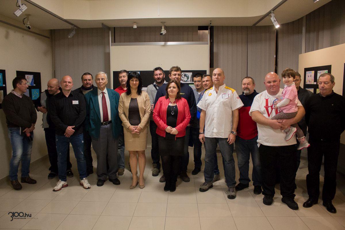 3100.hu Fotó: A kiállítók, támogatók, segítők és meghívott vendégeik