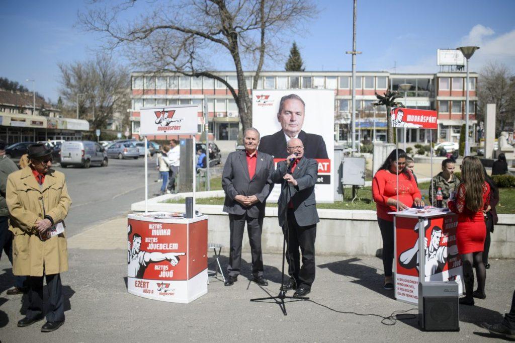 Thürmer Gyula, a Munkáspárt elnöke és Nagy Attila, a párt országgyűlési képviselőjelöltje (MTI Fotó: Komka Péter)
