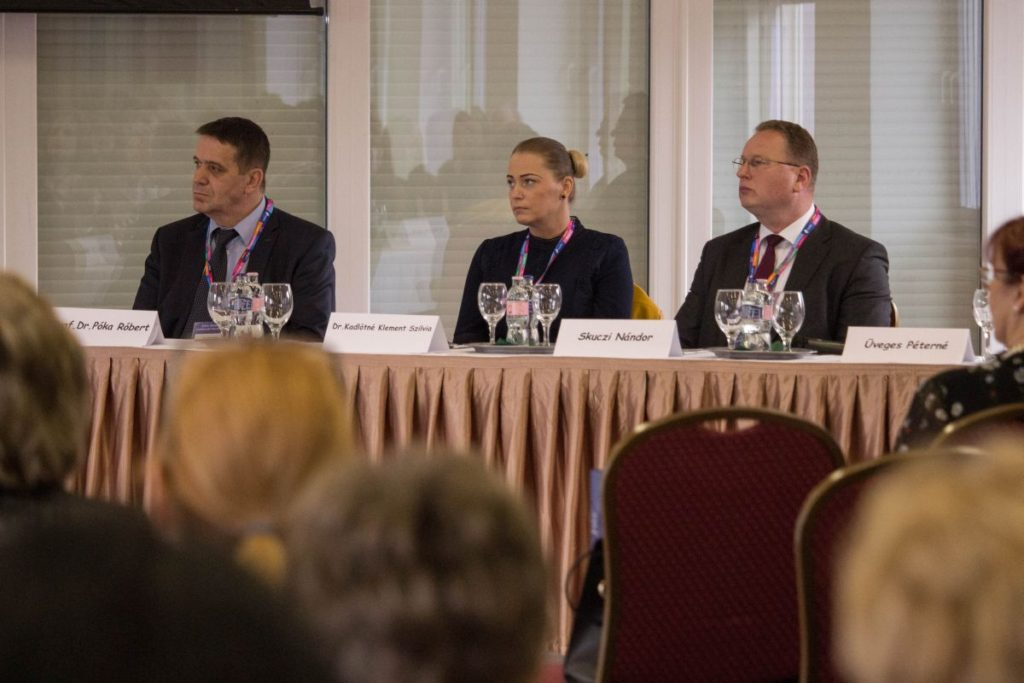 Hárman az esemény (fő)védnökei közül: Prof. Dr. Póka Róbert, Dr. Kadlótné Klement Szilvia és Skuczi Nándor