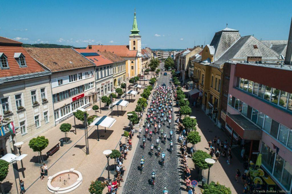 A 2019-es Tour de Hongrie balassagyarmati rajtja (Fotó: Tdh.hu/Vanik Zoltán)