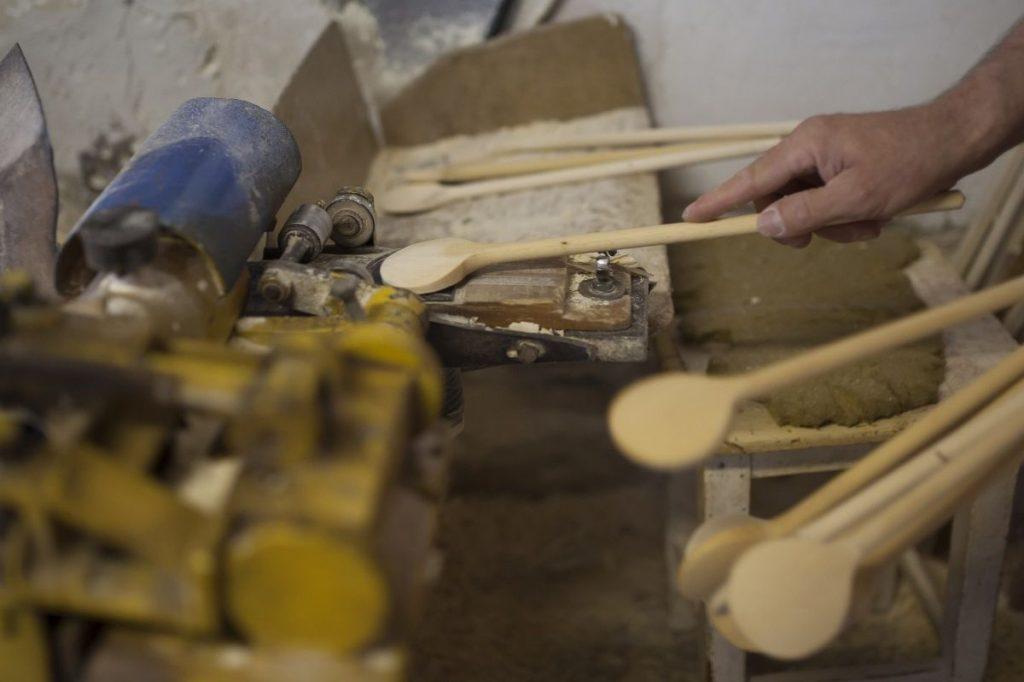 A mátrakeresztesi fakanálkészítés hagyománya Nógrádikum (Fotó: Nógrádikumok)