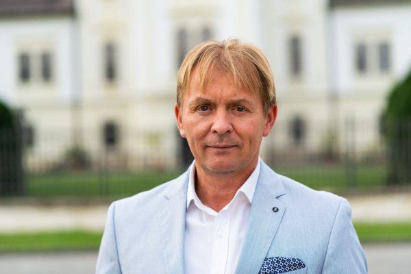 Varga Béla, a kormánypártok szécsényi polgármesterjelöltje (Fotó: Varga Béla polgármesterjelölt | Facebook)