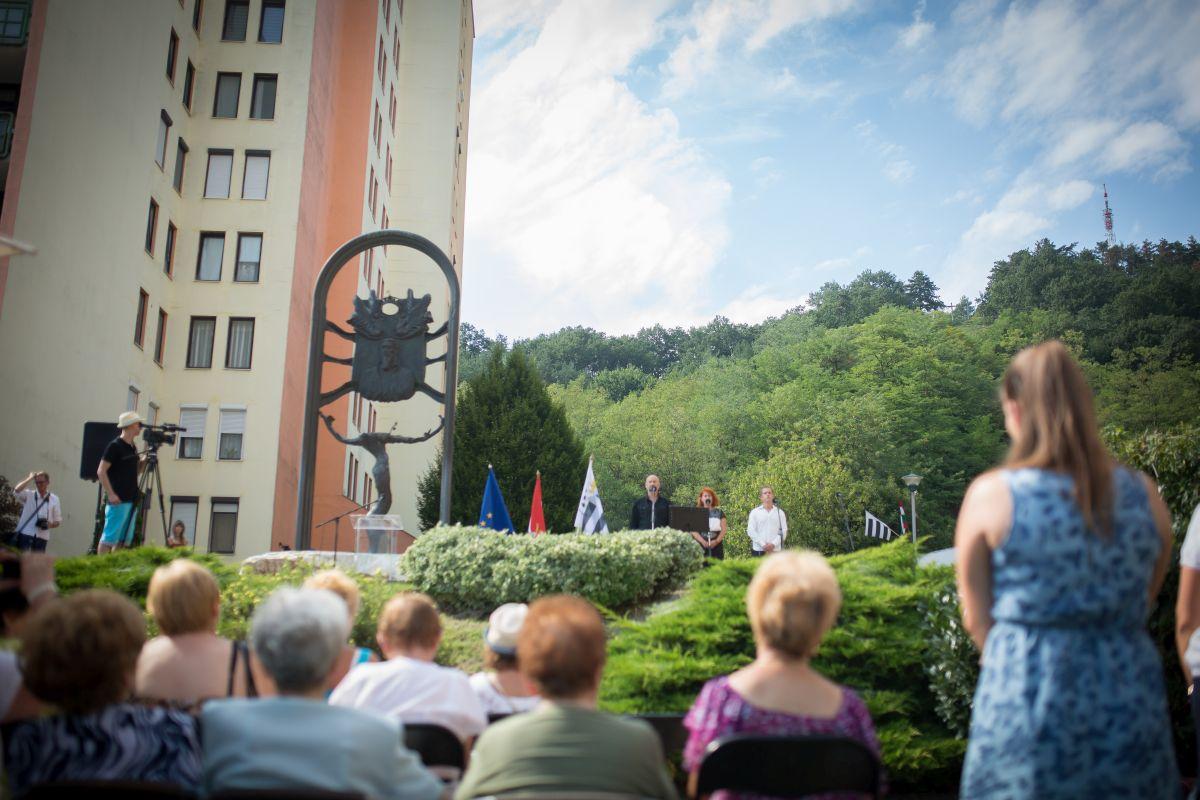 Városi koszorúzási ünnepség a Szent István téren, 2019. augusztus 20-án (Fotó: Salgótarján Megyei Jogú Város Önkormányzata)