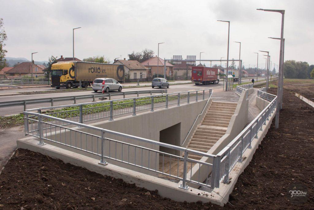 3100.hu Fotó: A 21-es számú főút újonnan négynyomúsított szakasza Kisterenyén, az átadás délelőttjén