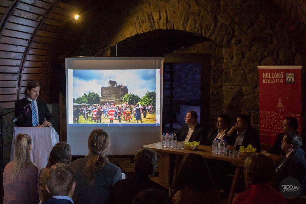 3100.hu Fotó: Kelecsényi Péter ügyvezető igazgató a hollókői projekt nyitórendezvényén