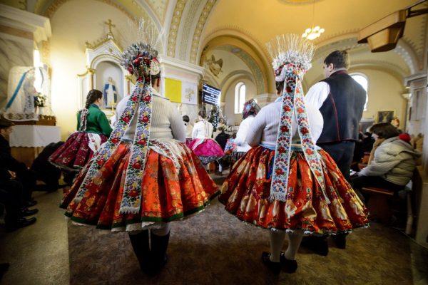 Karácsonyi szentmise a rimóci plébániatemplomban (Fotó: MTI/Komka Péter)