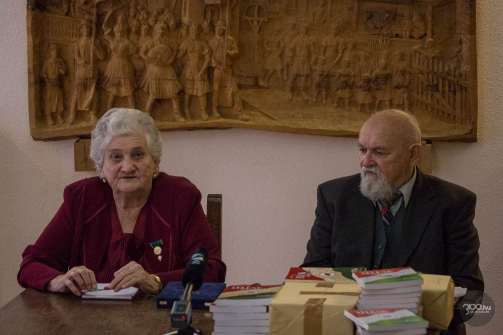 3100.hu Fotó: Bérczesi Mihályné és Sulyok László, a Pofosz megyei vezetői