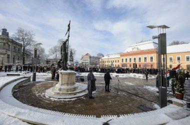 Megemlékezés a balassagyarmati Civitas Fortissima téren 2020. január 29-én (Fotó: MTI/Komka Péter)