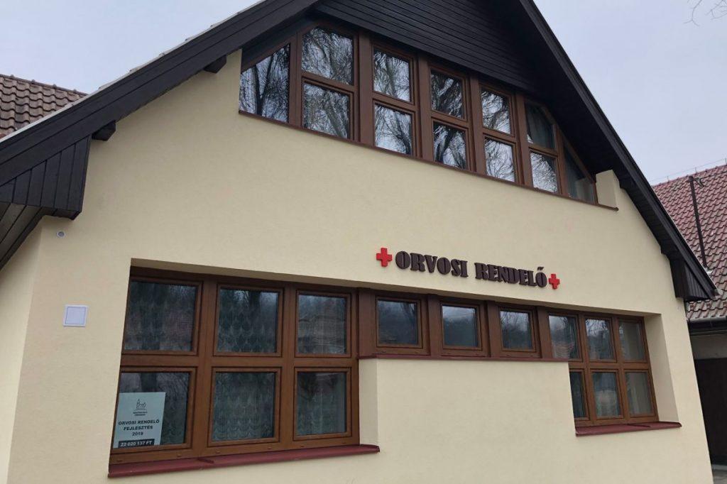 A felújított kishartyáni orvosi rendelő (Fotó: Dr. Becsó Károly Országgyűlési képviselő | Facebook)
