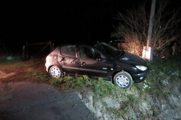 Az először elkötött autó, Szente belterületén (Archív fotó: Nógrád Megyei Rendőr-főkapitányság)