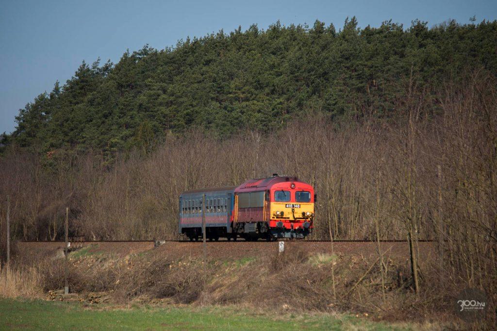3100.hu Fotó: Személyvonat tart Somoskőújfaluról Hatvan irányába, Vizslás-Újlak közelében