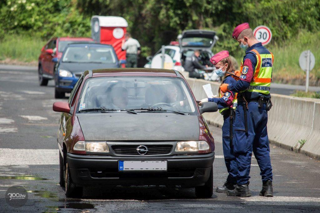 3100.hu Fotó: Határellenőrzés Somoskőújfalun 2020. május 26-án
