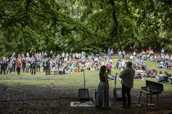Palya Bea és Szokolay Dongó Balázs közös koncertje a Muzsikál az erdő - Mátrai Művészeti Napok rendezvényen Salgótarján Eresztvény településrészén (Fotó: MTI/Komka Péter)