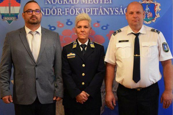 Hornyák Tamás, Hidasi Andrea és Berki Ferenc fél órán belül elfogták az idős nőt kifosztó férfit (Fotó: Nógrád Megyei Rendőr-főkapitányság)
