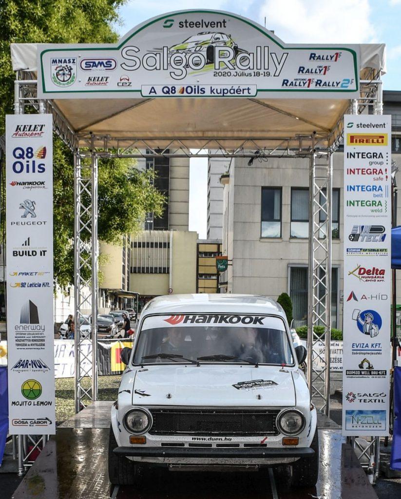 A négyszakaszosra rövidült Rally2-es futamon a Molnár Ferenc, Czinege László páros (Lada 2016) ismét szépet autózott, nyolcadikként végeztek; míg az Ivony Csaba, Kiss Norbert kettős (BMW 318 Ti) a 13. pozícióban zárta a futamot. (3100.hu Fotó: Csikó Milán | Instagram)