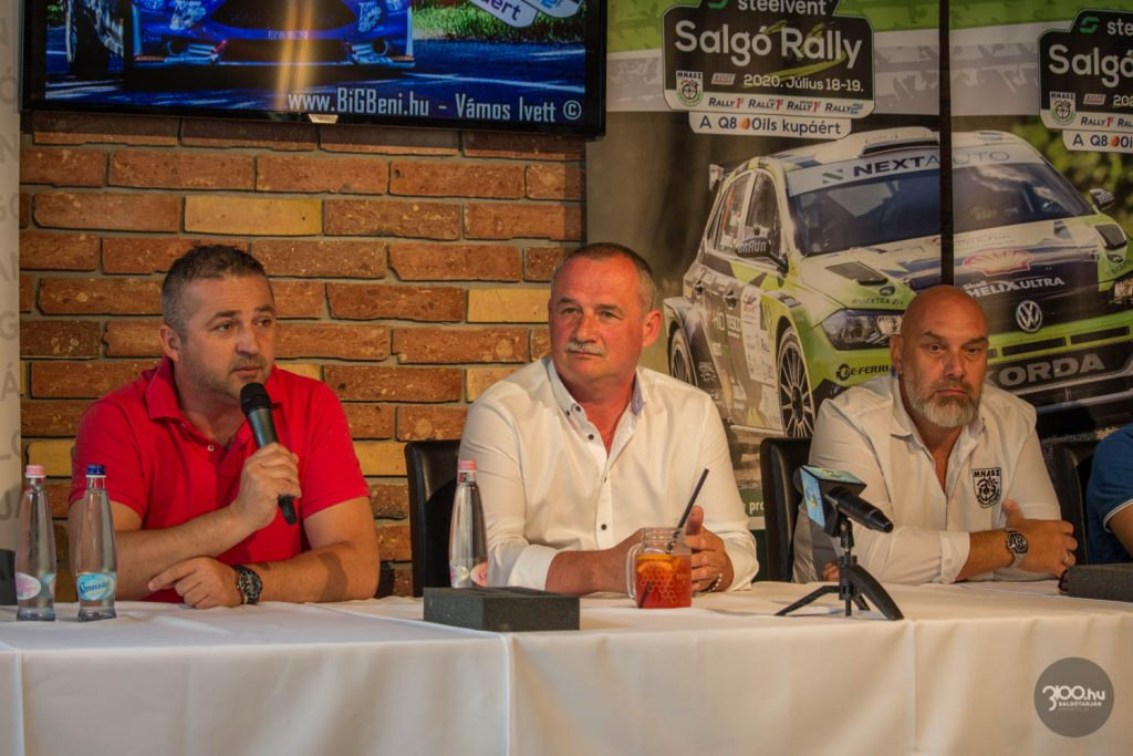 3100.hu Fotó: Adamovits Márk főszervező, Fekete Zsolt polgármester és Berényi Ákos szakágvezető a Steelvent Salgó Rally sajtótájékoztatóján