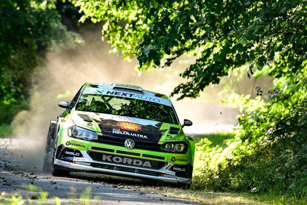 Turán Frigyes és Bagaméri László a sikeres teszteket követően élesben is megkezdheti a szezont a Next Auto Polo GTI R5 versenyautóval a Salgó-ralin (Fotó: Turán Motorsport)
