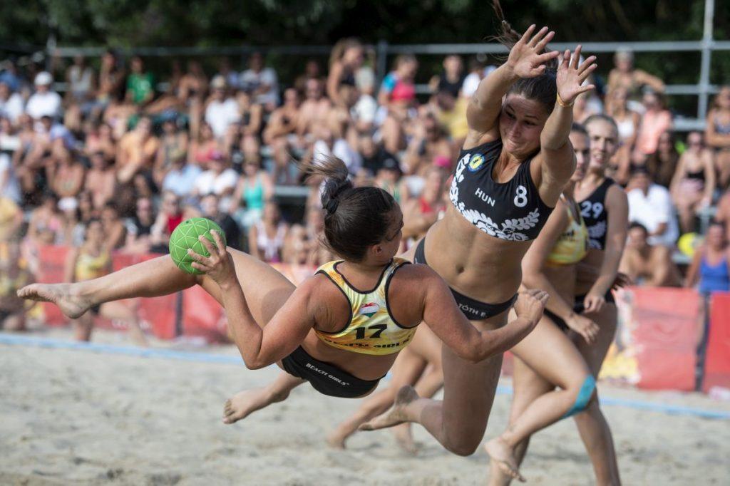 Női döntő a Kecskés József Strandarénában (Fotó: MTI/Komka Péter)
