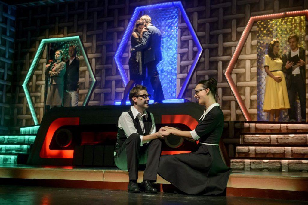 Ágoston Péter az író és Gubik Petra dr. Képes Vera szerepében, a darab próbáján (Fotó: MTI/Komka Péter)