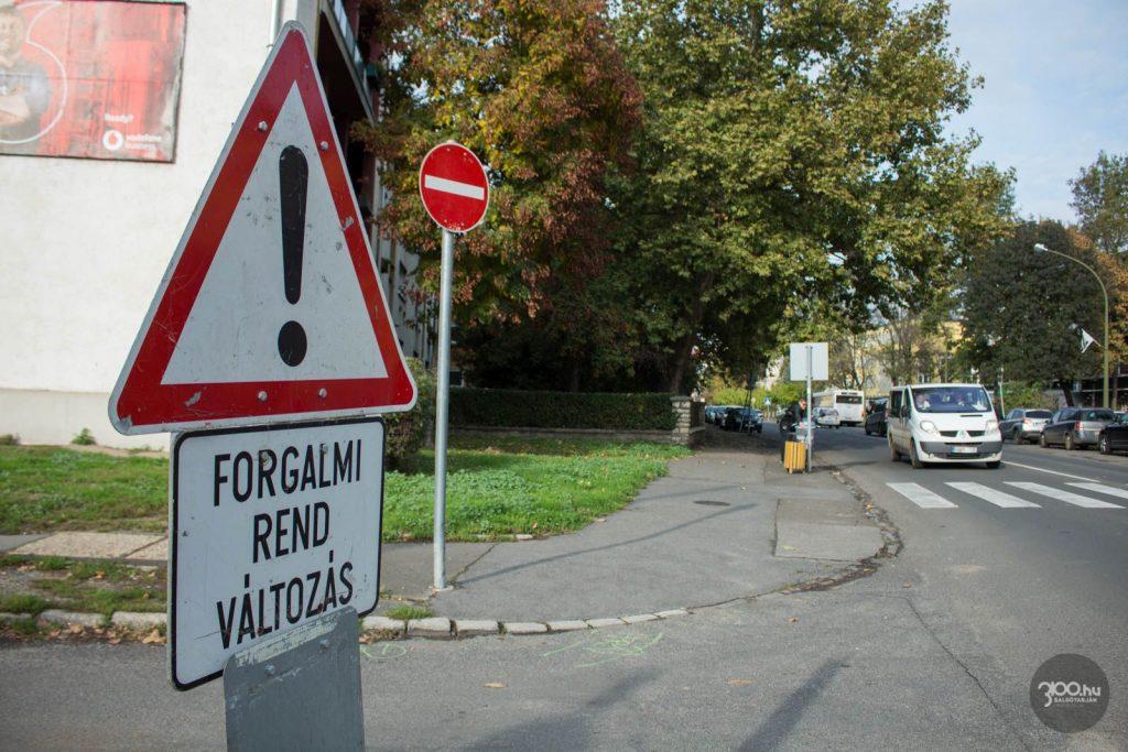 3100.hu Fotó: Új forgalmi rendet vezettek be az Úttörők úton