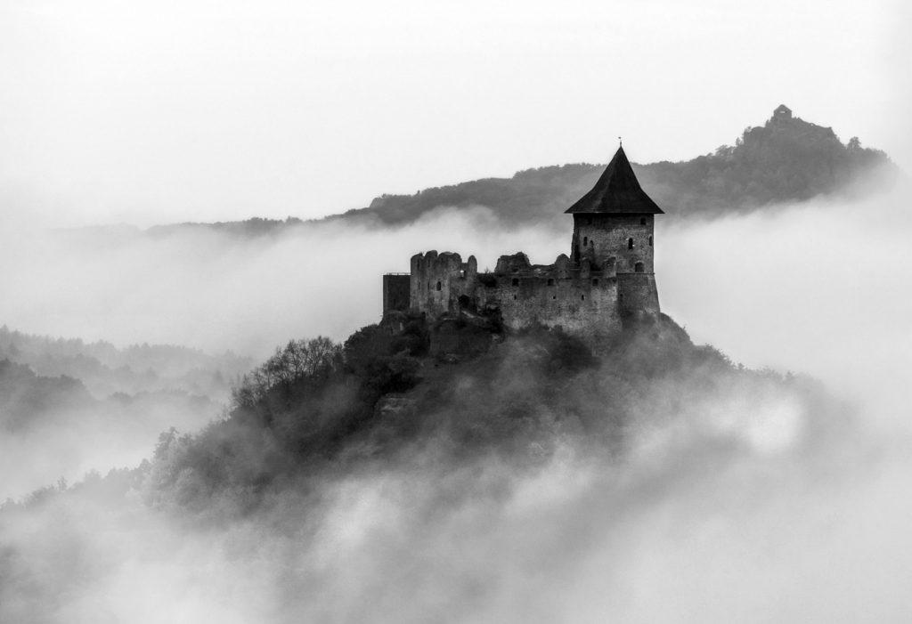 Közönségdíjas fotó a tájképet ikonikusan meghatározó várakról (Fotó: Csapó Balázs)