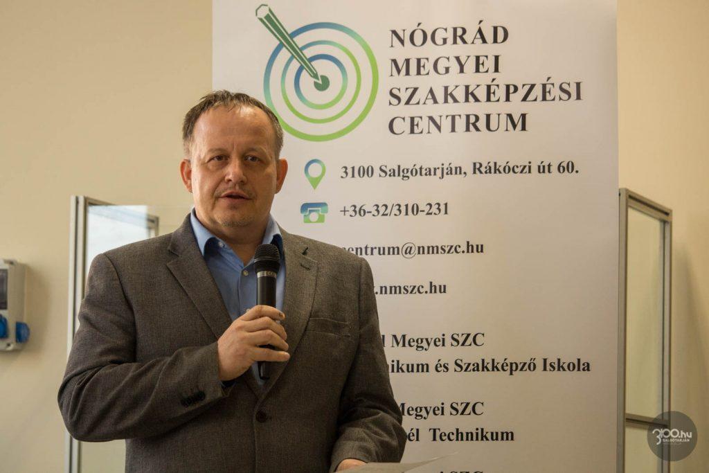 3100.hu Fotó:Online vetélkedővel segítették a nyolcadikosok pályaválasztását, a legügyesebb fiatalokat Gembiczki Ferenc kancellár köszöntötte