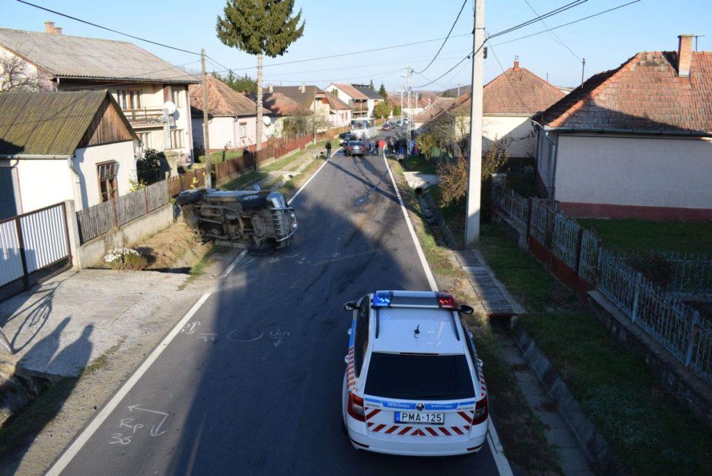 Helyszínelés a balesetnél Cereden, 2019. októberében (Archív fotó: Nógrád Megyei Rendőr-főkapitányság)