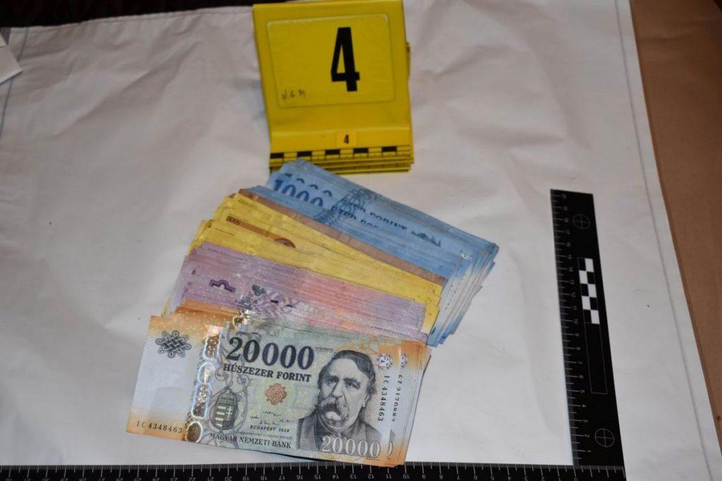 Az értékesítésből majdnem másfél millió forint gyűlt össze (Fotó: Nógrád Megyei Rendőr-főkapitányság)