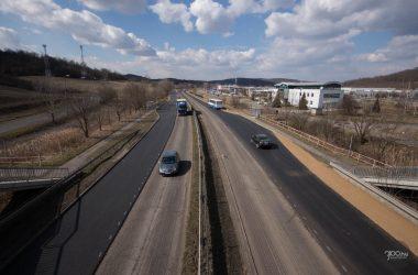 3100.hu Fotó: Zajlik az útfelújítás a 21-es út régebben négynyomúsított szakaszain, így Vizslás-Újlak és Salgótarján között is